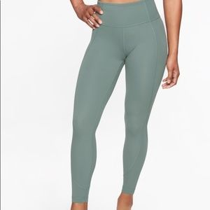 ATHLETA SALUTATION 7/8 ANKLE TIGHT NWT Med